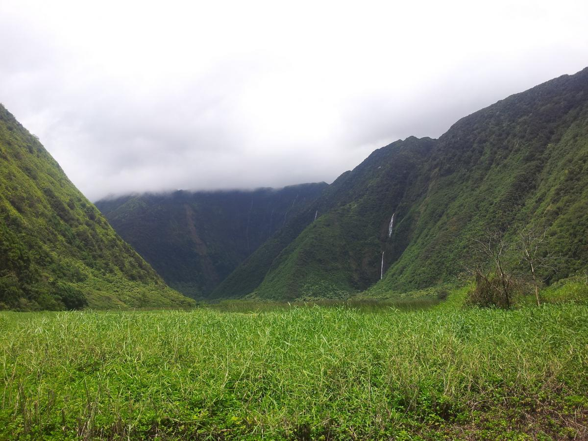 best hike hawaii magazine 2016