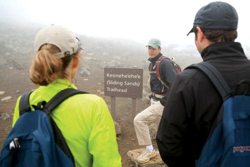 haleakala_crater_hike_hawaii_maui_sliding_sands