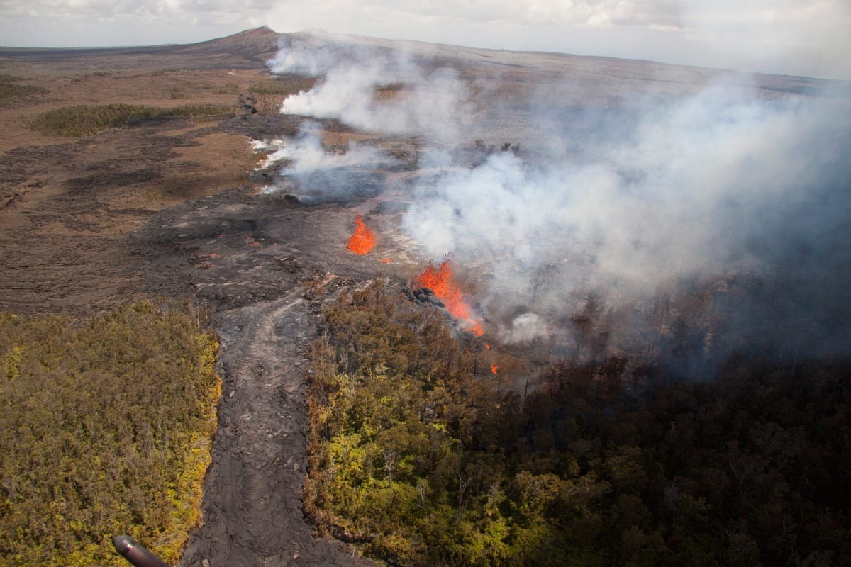 video_released_Kilauea_volcano_crater_collapse