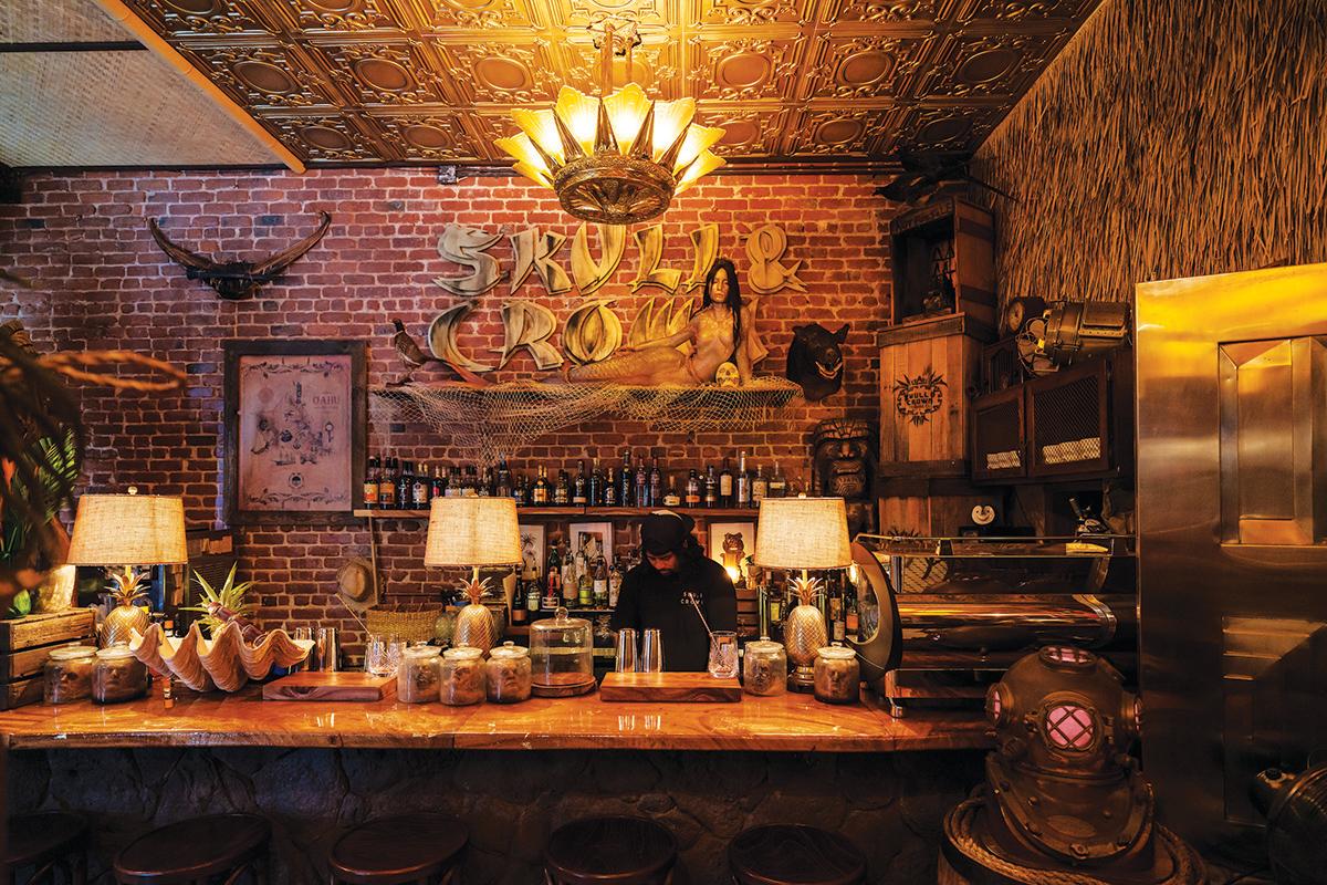 skull and crown bar