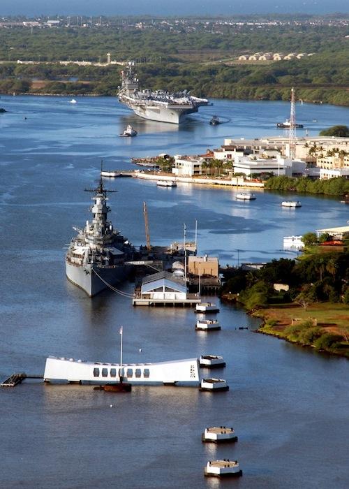 Hawaii_Oahu_Pearl_Harbor_battleship_Missouri
