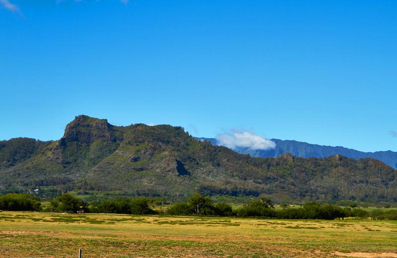 sleeping-giant-kauai-nounou-mountains