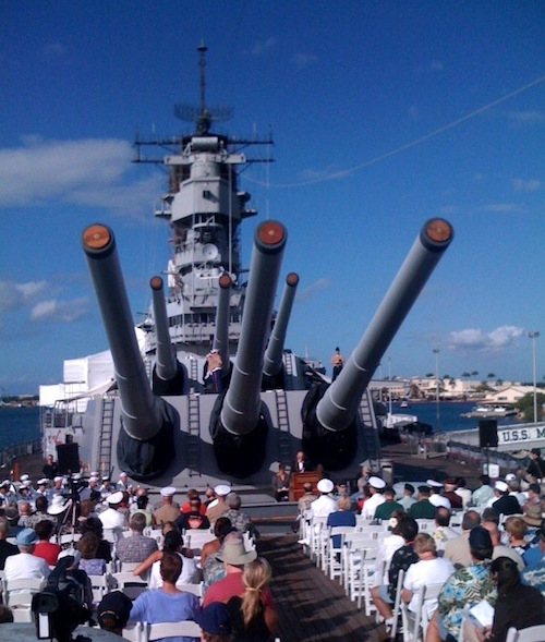 Hawaii_Oahu_Pearl_Harbor_battleship_film