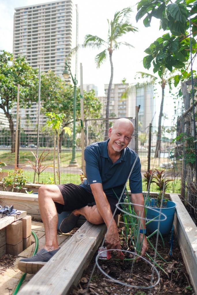 Him2104 Ay Community Gardens Ala Wai 0121