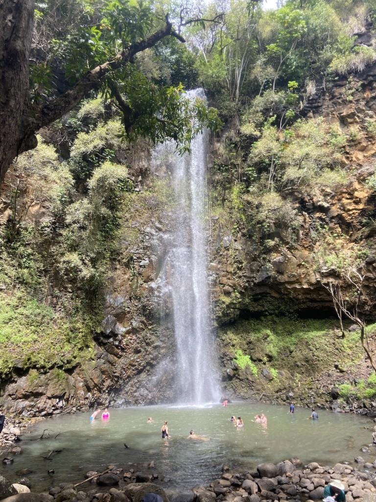 Waialuakayak Waterfall